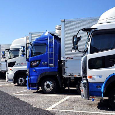 SNSで20代のトラックドライバーを集める